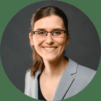 Julia Wittek, Recruiterin